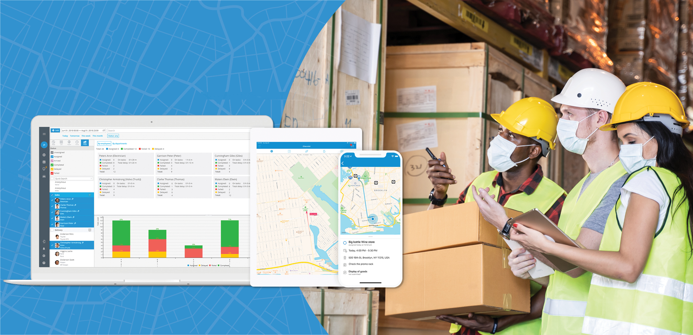 employees using field service management software